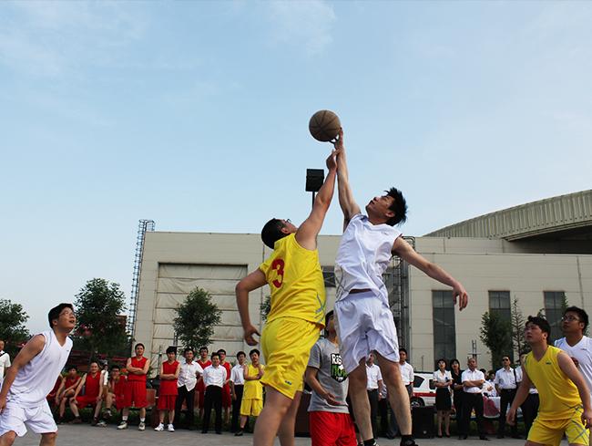 篮球比赛 英姿飒爽